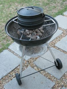 Accessory Ring for Potjie on a Weber kettle braai