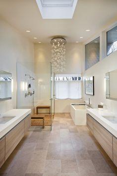 déco scandinave salle de bains: touches de bois clair et suspension bulles