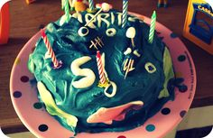 brithday cake. fishes from the deap
