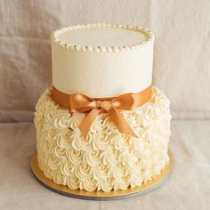 Elegant two tier rosette cake Buttercream Birthday Cake, Birthday Cupcakes, 2 Tier Birthday Cakes, Elegant Wedding Cakes, Elegant Cakes, White Wedding Cakes, Pretty Cakes, Beautiful Cakes, Formation Patisserie