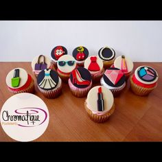 Fashion cupcakes (Cupcakes de moda) https://www.facebook.com/ChromatiquePasteleria