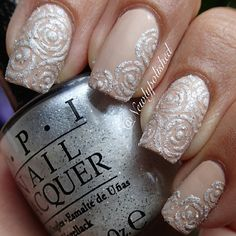 Liquid sand roses with Solitaire from the Bond girls Fabulous Nails, Gorgeous Nails, Sexy Nails, Fun Nails, Nail Art Pictures, Art Pics, Sugar Nails, Wedding Nails Design, Nail Wedding