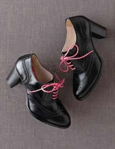 Heeled Brogue my type of colour and