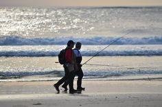 Paseos de pescatores al atardecer  . . #Galicia
