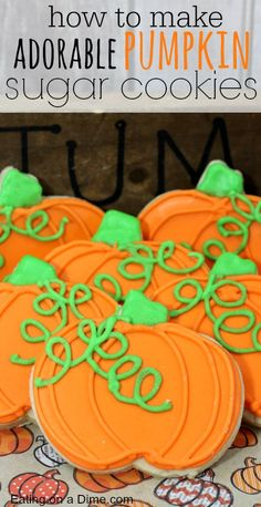 How to Make and decorate Pumpkin Sugar Cookies - oh so easy to make! This easy Pumpkin Sugar Cookie Recipe is so fun and tasty too! The entire family will love these adorable Pumpkin Cut Out Cookies. They are perfect for Fall parties and more! Biscuits Halloween, Halloween Sugar Cookies, Iced Sugar Cookies, Halloween Desserts, Sugar Cookies Recipe, Halloween Cupcakes, Halloween Treats, Pumpkin Sugar Cookies Decorated, Halloween Party