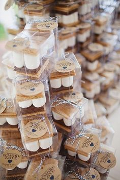 20 Fall Wedding ideas You'll Fall in Love with Page 2 of 2 is part of Wedding favors fall - Photo Credits Wedding Chicks Style Me Pretty You and Your Wedding Happy Wedd Wedding Wire Junebug Weddings Bridal Guide Wedding Favors And Gifts, Outdoor Wedding Favors, Wedding Backyard, Outdoor Winter Wedding, Country Wedding Favors, Wedding Guest Favors, Winter Wedding Ideas, Fall Party Favors, Christmas Wedding Favors
