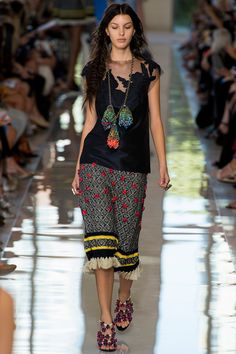 Tory Burch Spring 2013 RTW - Review - Fashion Week - Runway, Fashion Shows and Collections - Vogue
