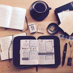 natsume_notebook能率手帳に1日の出来事をちょこちょこメモしておくようにしたら次の日ほぼ日手帳を書くのが楽になったし、持ち歩くのが能率手帳だけでよくて軽くなりました。。! #試行錯誤#手帳の使い方#ほぼ日手帳#ほぼ日手帳オリジナル#ほぼ日#モレスキン#モレスキンデイリー#能率手帳#能率手帳ゴールド#アシュフォード#ashford#システム手帳#バイブルサイズ#万年筆#ボールペン#デルタ#ドルチェビータ#図書カード#コーヒー#coffee#うちカフェ#ブローチ#封筒2017/03/19 11:33:46
