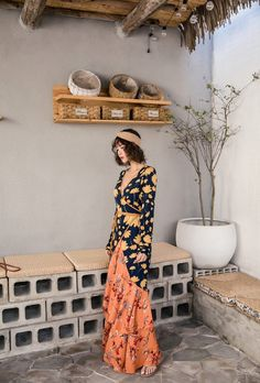 Vintage Floral Full Sleeve V-Neck Dress – Chic Boho Style Gypsy Style, Boho Style, Boho Chic, Chic Outfits, Spring Outfits, Fashion Outfits, Chic Clothing, V Neck Dress, Aesthetic Clothes