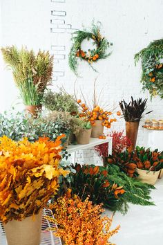 wreath workshop | designlovefest  Love those Autumn colours!