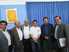 Directores de la EPS SEDACAJ S.A. con Ministro de Vivienda y Alcalde de Cajamarca