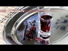 Nalewka wiśniowa z wanilią i goździkami :: Skutecznie.Tv [HD] Irish Cream, Red Wine, Shot Glass, Alcoholic Drinks, Food And Drink, Vogue, Baking, Tableware, Sweet