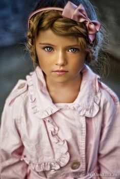 this kid kinda creeps me out.. but i really like her hair. so...