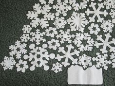 You have to see White Christmas hanging #Snowy Splendor by CanadianQuilter!