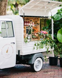 Hey, Hey the weekend is coming! Anyone else up for a glass of champagne 🥂 🍾 delivered in this gorgeous truck? Anthropologie Home, Glass Of Champagne, Wedding Mood Board, Rifle Paper Co, Tiny House Design, Trucks For Sale, Prosecco, Here Comes The Bride, Event Venues