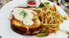 Mon Ami Gabi. For full review: http://www.eatandescape.com/restaurant-reviews/mon-ami-gabi
