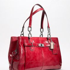 Coach bag dyyyying I need the red coach!!! Come to momma!!