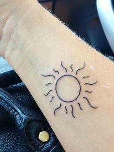 Small Cute Sun Tattoo Designs & Ideas - Tattoo\'s Life