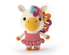 This is a very detailed crochet pattern to make a very cute unicorn amigurumi. I have made this unicorn with catania yarn and size hook. Crochet Horse, Crochet Unicorn, Cat Amigurumi, Crochet Amigurumi, Catania, Cute Crochet, Beautiful Crochet, Cute Koala Bear, Cute Unicorn