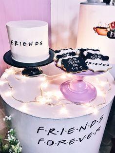 17 Birthday Cake, Baby Birthday, Friend Birthday, Graduation Party Decor, Grad Parties, Birthday Parties, Friends Tv Show, Cake Tv Show, Friends Cake