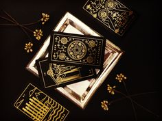 Golden Thread Tarot is a modern deck printed in gold foil, with a simple and beautiful companion app. Come learn tarot with us.