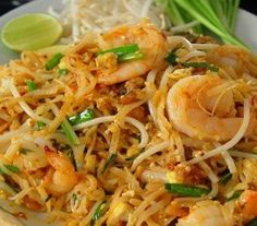 Get Shrimp Pad Thai Recipe from Food Network Diet Soup Recipes, Thai Recipes, Indian Food Recipes, Asian Recipes, Cooking Recipes, Pad Thai Noodles, Rice Noodles, Vermicelli Noodles, Asian Noodles