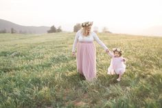 Mothers Day photographer in Oak Glen California, Mother Daughter Photoshoot with flower crowns, Family photographers in South Dakota, Spearfish SD family photos_0698