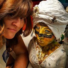 HepCat artist, Lisa McPike Smith, and her Queen Honey sculpture. Artworks, Carnival, Halloween Face Makeup, Lisa, Honey, Sculpture, Queen, Cat, Artist