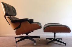 Herman Miller Eames Lounge Chair And Ottoman - Original in Good Condition…