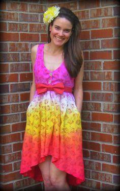 Cassie Stephens Art Teacher Outfits, Teacher Wear, Artsy Outfits, Simple Dresses, Summer Dresses, Cassie Stephens, Diy Dress, Tie Dye Skirt, Hemline