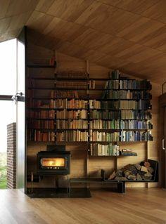 le plus beau placard sous pente Dream House Exterior, Dream House Plans, Reading Loft, Craftsman Floor Plans, Dream Library, Bookshelf Design, House In The Woods, House Rooms, Home Kitchens