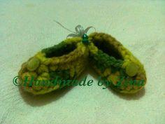 #crochet newborn #baby shoes in green. £8.00 (exc. p&p)
