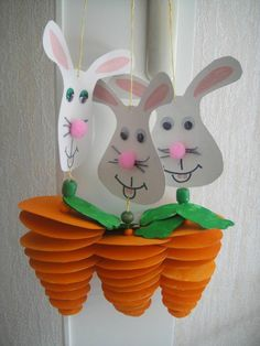 Welcome to the world of best homemade Easter crafts. From Easter egg crafts to easy peasy paper easter crafts, here's a collection of best crafts for Easter Easter Art, Bunny Crafts, Easter Crafts For Kids, Easter Bunny, Easter Decor, Easter Activities, Preschool Crafts, Crafts For Kids To Make, Art For Kids