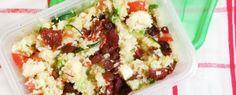 Couscoussalade met courgette, komkommer, feta, zongedroogde tomaatjes