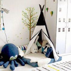 ¿Os gustan los tipis indios? Os traemos ideas preciosas para incorporarlos a la decoración infantil. Tipis sencillos para fiestas, para rincones de lectura, etc