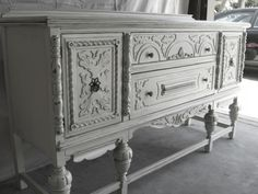 Love this French Provincial buffet! Had one like this in our house but sold it. My favorite piece. Furniture Fix, Painted Furniture, Refinished Furniture, Antique Booth Ideas, Eclectic Furniture, Vintage Dressers, Furniture Inspiration, Cottage Chic, Vintage Decor