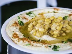 Hummus with Chickpeas and Olive Oil