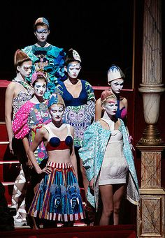 manish arora spring 2009 rtw Runway Fashion, Boho Fashion, Harlequin Romance, Manish Arora, Demons, Fashion Prints, Aurora, Goth, Concept