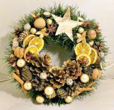 Holiday Door Wreaths, Christmas Advent Wreath, Christmas Countdown, Outdoor Christmas, Xmas Decorations, Christmas Projects, Handmade Christmas, Embellishments, Craft
