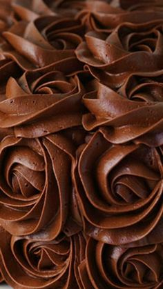 Whipped Chocolate Buttercream Frosting ~ Light, fluffy, rich and flavorful. This silky smooth and fluffy frosting is the perfect compliment to any cake or cupcake flavor! (cookie tips buttercream frosting) Chocolate Buttercream Frosting, Cupcake Frosting, Cake Icing, Cupcake Cookies, Eat Cake, Easter Cupcakes, Flower Cupcakes, Christmas Cupcakes, Chocolate Frosting Recipes