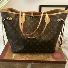 Luis Vuitton Neverfull MM In excellent condition bag. No stains insade the bag, patina is beautiful, data code SD3152 . 100% AUTHENTIC. Trade Value $1500 Louis Vuitton Bags Totes
