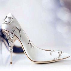 a66ac5657a 26 melhores imagens de Sapato de Noiva