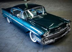 Cars, Motorcycles and rock and roll Chevrolet Impala, 1958 Chevy Impala, 1955 Chevy, Rock And Roll, Classy Cars, Old Classic Cars, Air Ride, Car Photography, Car Girls