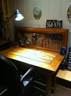 The best work bench ever! DIY recycled wood work table.