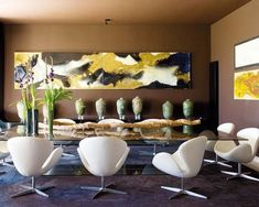 La vivienda del arquitecto Joaquín Torres lleva, indudablemente, su sello. Una construcción de formas ordenadas y racionales a la que acompaña un interiorismo lleno de sofisticación y espectáculo.