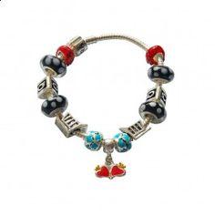Marque: Pandora -Genre: Femme -Matière: Divers -Style: Unique            64,99 €   http://www.pariprix.com/pandora-cadeaux/glass-beads-and-silver-charms-noir-diy-bracelet-pandora-captivant.html