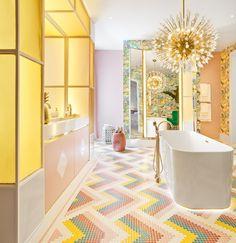 Bathroom by Nuria Alía Casa Decor 2017 Casa Decor 2017, Pastel Bathroom, Gold Bathroom, Interior Styling, Interior Decorating, Deco Baroque, Home And Deco, Bathroom Interior Design, Beautiful Bathrooms