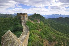 Walking the Great Wall of China: A Bucket-List Trip You Can Actually Afford - SmarterTravel.com