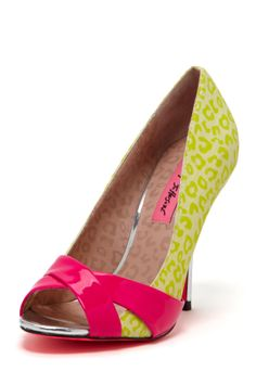 Betsey Johnson Jassmine Crisscross Pump