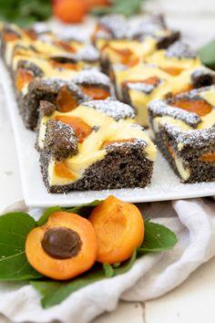 Poppy seed grid cake with apricots - Recipe - Sweets & Li .- Mohn-Topfengitter-Kuchen mit Marillen – Rezept – Sweets & Lifestyle® Poppy seed grid cake with apricots – Recipe – Sweets & Lifestyle® - Healthy Snacks For Diabetics, Healthy Dessert Recipes, Keto Snacks, Cake Recipes, Snack Recipes, Smoothie Recipes, Apricot Cake, Apricot Recipes, Desserts Sains